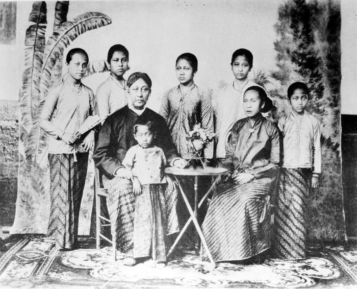 potret keluarga Kartini